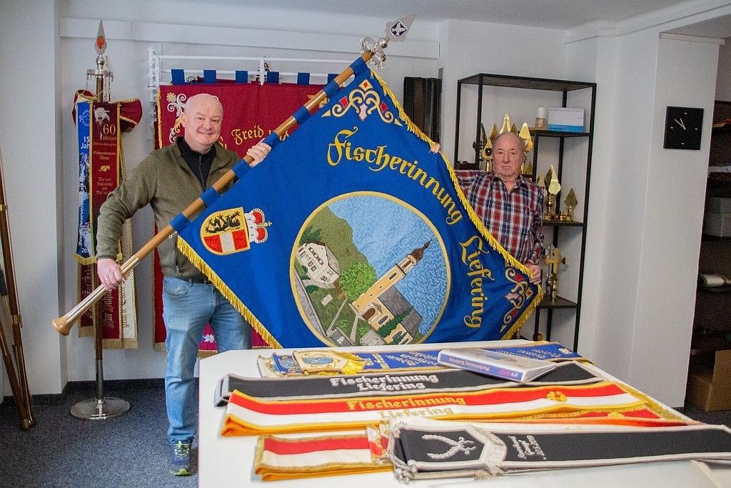 Fahne der Fischerinnung Liefering